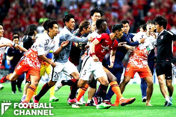 【サッカー】肘打ち韓国人の新たな悪行が判明 これもう完全にアウトだろwwwwwwwwwwwwwのサムネイル画像