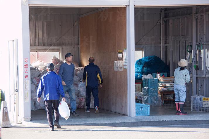 【村八分】移住者はゴミ出し禁止、20キロ先からゴミ運び 絶対の年功序列…のサムネイル画像