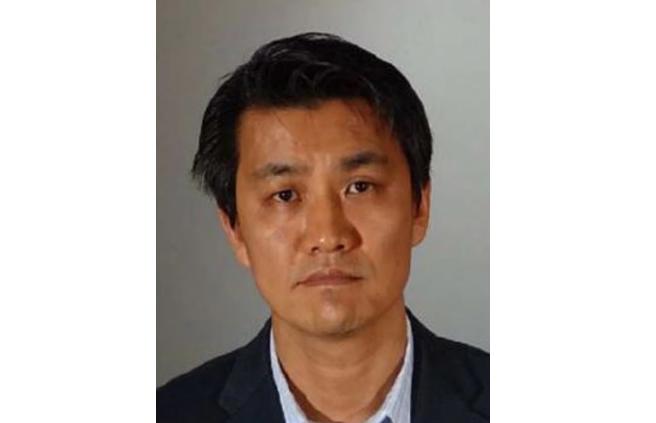 【悲報】韓人の神学大学教授が米国で女たちに性器を見せつけた結果wwwwwwwのサムネイル画像
