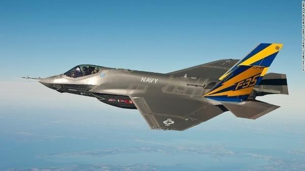 【衝撃】トランプ米大統領「35機のF35を日本上空を飛行させた。レーダーに探知されなかった。」のサムネイル画像