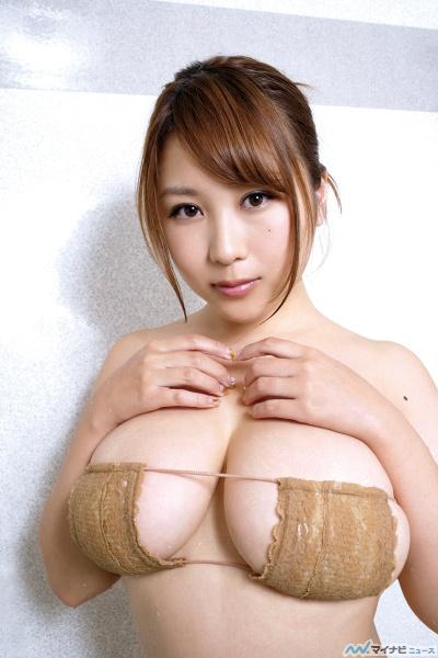 【グラビア】Iカップ西田麻衣 一段と大きくなったバストが衣装からぷるるんと…『みすど mis*dol 麻衣スイートHONEY 』のサムネイル画像