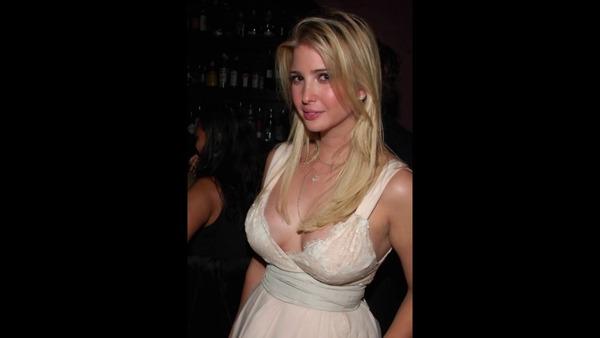 【速報】トランプ大統領の娘、イヴァンカさんが来日wwwwwwwwwwwww のサムネイル画像