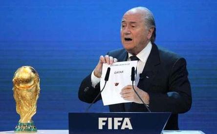 【2022年W杯】FIFAブラッター会長「カタールでのワールドカップ開催はミスだった」のサムネイル画像