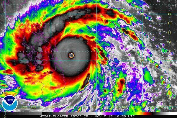 台風30号、史上最強の台風に。今年最強の台風来すぎだろ【画像あり】のサムネイル画像