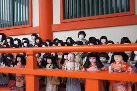 日本人形協会が「USJ」に抗議 →「日本人形のイメージを著しく損ねている」そもそも淡路神社で供養したものを扱うとかやばいだろwwwwのサムネイル画像