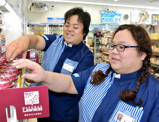 震災から6年、浪江町にローソンが開店。店長・美咲さん「町と一緒に前に進みたい」のサムネイル画像