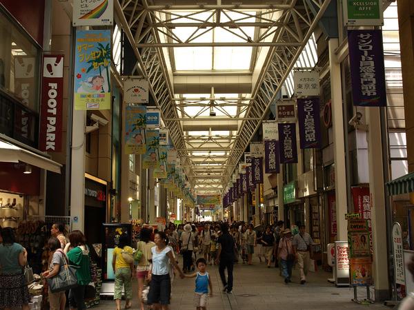 【速報】東京・吉祥寺で車が突っ込み、複数のけが人のサムネイル画像