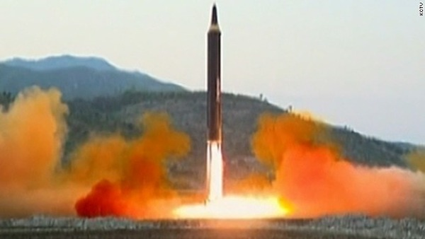 【悲報】北朝鮮ミサイル「迎撃ほぼ不可能」で見解一致・・・のサムネイル画像