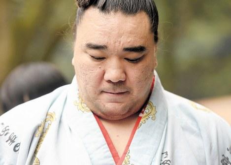 日馬富士殴打事件、スマホが原因の模様 会話中に鳴りキレてフルボッコか のサムネイル画像