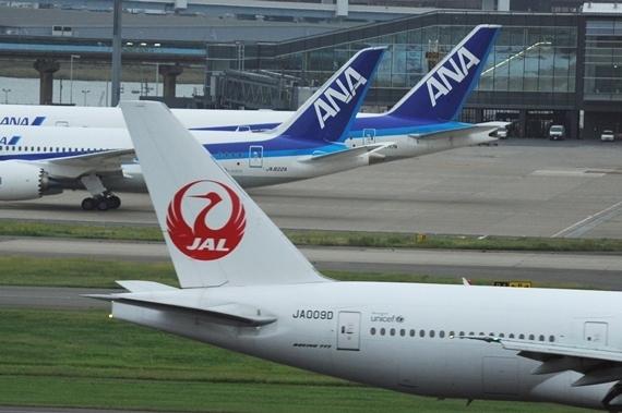 【速報】JALとANA、なぜかトランプ大統領令に従ってイスラム人搭乗拒否wwwwwwwwwwwwwwwのサムネイル画像