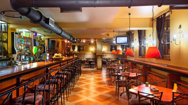 【悲報】「社員の一日」のブラック臭がすごい飲食店が見つかるwwwwwwwwwwwwwwのサムネイル画像