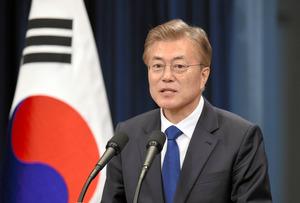【韓国】文大統領「日本は友人!1日でも早く日本に行きたい!」 のサムネイル画像