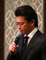 【緊急会見】山口達也さん、涙を流しTOKIOの活動継続を切望へwwwwwwwwwwwのサムネイル画像