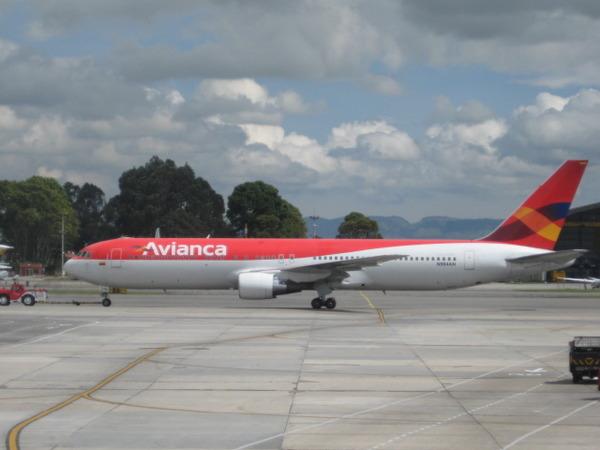 【不幸中の幸い】コロンビア墜落事故 → 乗客乗員77人生存6人 → 生存者「構えの姿勢をとったら助かった」のサムネイル画像