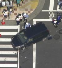 「商店街で車が人をはねてる!」 猛スピードの暴走車、次々と人をはねる。叫び続ける運転手逮捕…大阪・西成のサムネイル画像