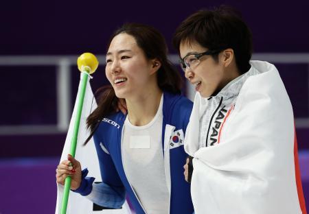 【平昌五輪】小平選手と李選手、日韓の友情に韓国ネット感動へwwwwwwwwwwwwwwwwwのサムネイル画像