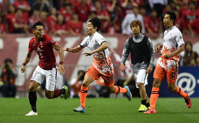 【サッカー乱闘】韓国人「槙野が逃げ回るせいで我々が酷い姿に演出された。槙野が悪い!!」のサムネイル画像