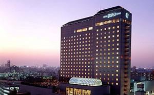 【悲報】都内、ホテルがどこも満室で、カプセルホテルか高級ホテルかしかないwwwwwww のサムネイル画像