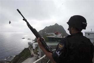 【悲報】韓国軍が竹島で「防衛」訓練を実施へwwwwwwwwwwwwのサムネイル画像