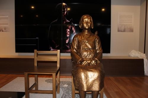 【悲報】慰安婦像、アメリカの国会議事堂に特別展示へ・・・のサムネイル画像