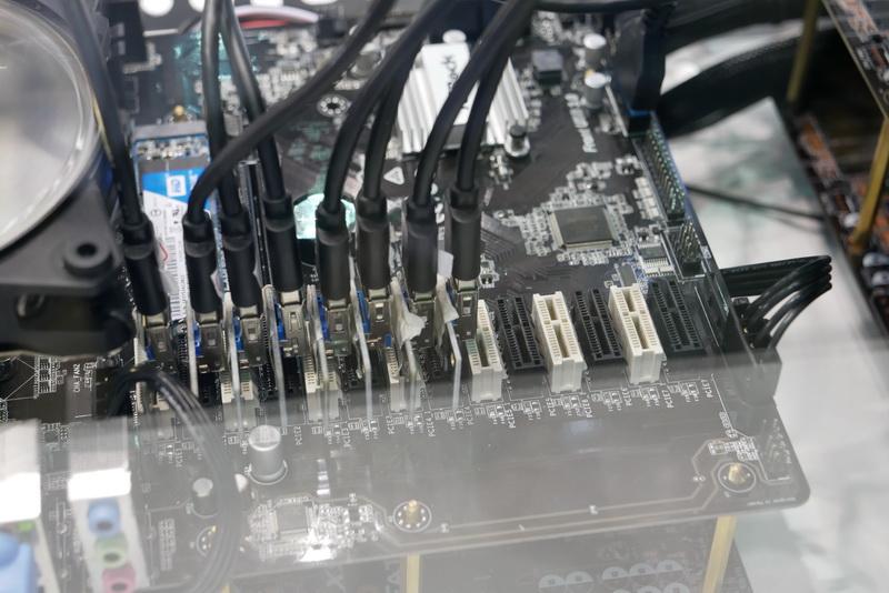 """【PC】ビデオカードを13枚装着できる""""変態""""マザーボード「H110 Pro BTC+」登場wwwwwwwwwwwwwビットコインの採掘用にいかが?のサムネイル画像"""