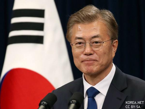 【韓国】文大統領、火災現場を視察「惨事続き、申し訳なく思う。」のサムネイル画像