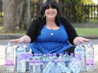 奇病?英国発「1日に25リットルもの水を飲む女性」(画像あり)のサムネイル画像