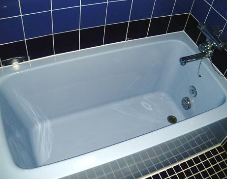 【悲報】80代夫婦、風呂の浴槽の中で裸で二人座った状態で死亡・・・のサムネイル画像