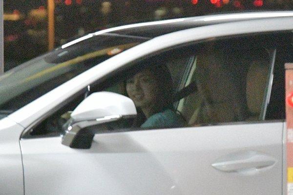 【画像】二宮和也と伊藤綾子アナ、ドライブデート キタ━━━━(゚∀゚)━━━━!!のサムネイル画像
