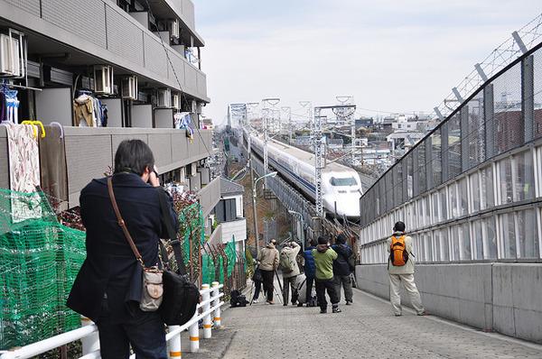 撮り鉄が新幹線にはねられ死亡のサムネイル画像