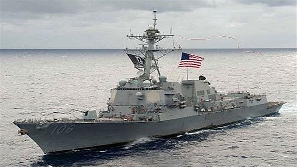 【速報】アメリカ軍艦がミサイル攻撃を受けた模様のサムネイル画像