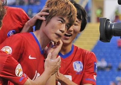 【サッカー】韓国紙「見苦しい。試合でもマナーでも日本に負けた」のサムネイル画像