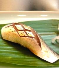 回転寿司で高い皿ばかり選ぶ彼女に彼氏が逃亡wwwどんだけせこいwwwのサムネイル画像