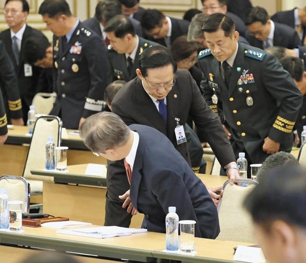 【衝撃】ムン大統領「韓国軍の削減」を発表!!!→ 人数が凄いwwwwwwwwwwwwwwwのサムネイル画像