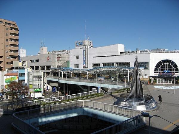 640px-South_Entrance_of_JR_Sagamihara_Station_in_2008