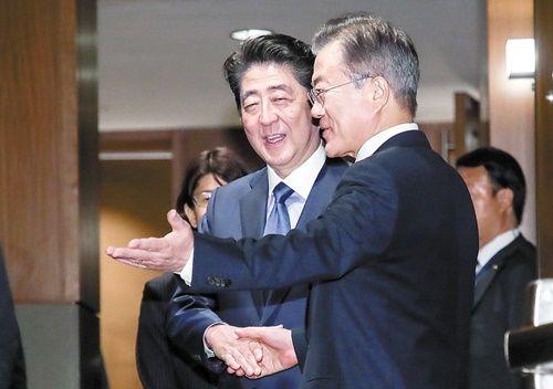 """【速報】日本政府、韓国との「首脳会談」を実質""""拒否""""かwwwwwwwwwwwwwwwwwwwwwのサムネイル画像"""