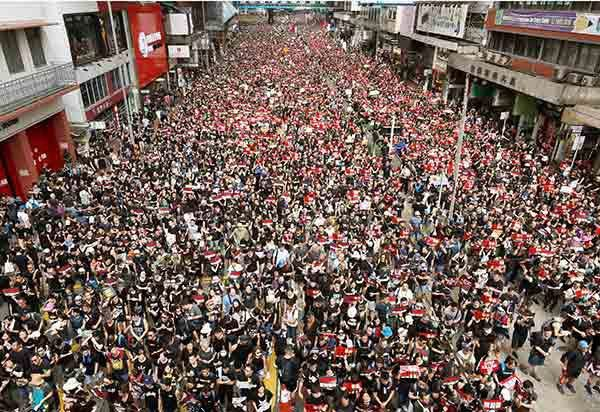 【速報】香港政府、デモ隊に降伏wwwwwwwwwwwwwwwwwwwwwwwのサムネイル画像