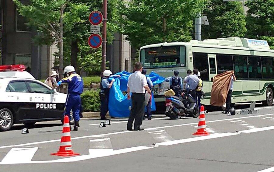 【戦慄】京都市バス、とんでもない事故・・・・・のサムネイル画像