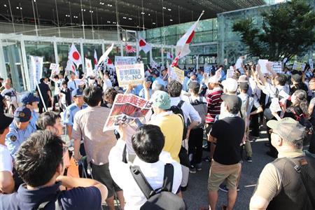 【衝撃】川崎駅前で「ヘイト」巡り対立、大騒動へ!!!→ その結果wwwwwwwwwwwwwwwwwのサムネイル画像