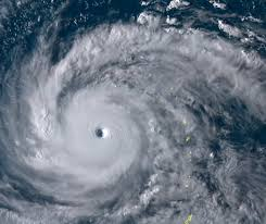 【速報】非常に強い台風21号が日本に接近!!!!→ その内容がヤバ過ぎる件・・・・・のサムネイル画像