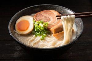 【悲報】中国「日本人の食事マナーが ヤ バ い wwwwwwwwwwwwwwwwww」のサムネイル画像