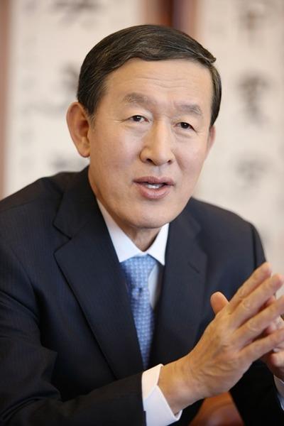 【驚愕】韓国財界代表、自民党のあの人と会談へwwwwwwwwwwwwwwwwwwwwwのサムネイル画像