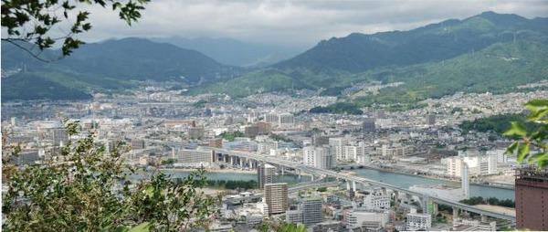 【画像5枚】広島・榎川が氾濫!→ 泥水だらけになった府中町の様子がヤバ過ぎる・・・・・のサムネイル画像