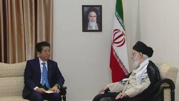 【イラン】安倍首相「トランプ大統領のメッセージを伝えたい!!!」→ハメネイ師の回答が・・・・・のサムネイル画像