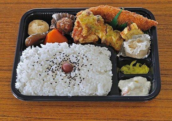 【悲報】北海道のコンビニ、1つでも具が揃わないと「弁当」が作れない!!!→ その理由がwwwwwwwwwwwwwwwwのサムネイル画像