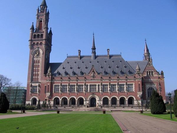 オランダ11ハーグ%E3%80%80平和宮%E3%80%80国際司法裁判所-565209