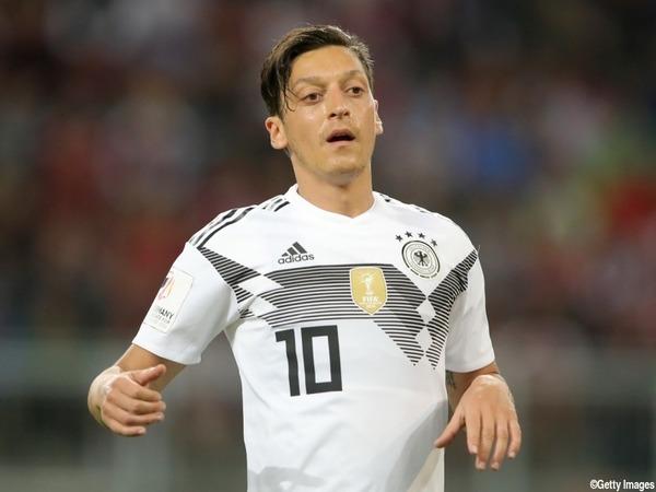 【ワールドカップ】ドイツ代表サポーター、選手にブチギレた結果・・・のサムネイル画像