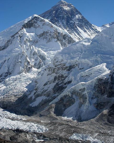 1200px-Everest_kalapatthar_crop