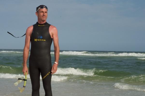 【驚愕】51歳スイマー「太平洋泳いで横断するわ!」→ その結果wwwwwwwwwwwwのサムネイル画像