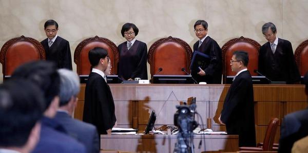 【激震】韓国、日本企業70社に賠償命令かwwwwwwwwwwwwwwwwwwwwwwwwwwのサムネイル画像